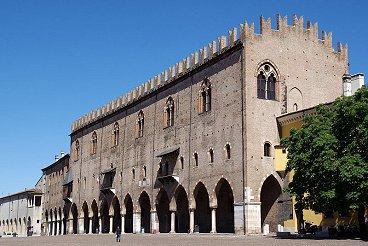 Mantova_Palazzo_del_Capitano