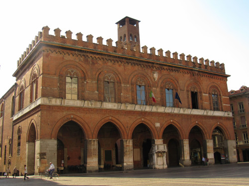 Veduta_del_Palazzo_Comunale_di_Cremona
