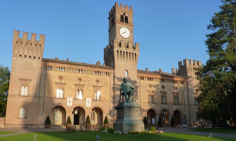 Veduta_di_Rocca_Pallavicino_da_Piazza_Giuseppe_Verdi_-_Busseto